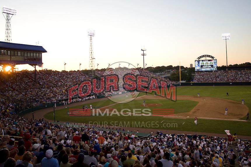 NCAA College World Series. Johnny Rosenblatt Stadium in Omaha, Nebraska.  (Photo by Andrew Woolley / Four Seam Images)