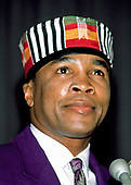 Sugar Ray Leonard wears a Kufu (an African Royalty Crown) at a fight announcement in Washington, DC on February 21, 1989.<br /> Credit: Ron Sachs / CNP