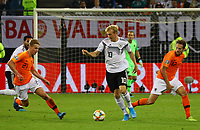 Julian Brandt (Deutschland Germany) gegen Patrick van Aanholt (Niederlande), Frenkie de Jong (Niederlande) - 06.09.2019: Deutschland vs. Niederlande, Volksparkstadion Hamburg, EM-Qualifikation DISCLAIMER: DFB regulations prohibit any use of photographs as image sequences and/or quasi-video.