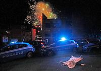 Fuochi d'artificio sul luogo dell'agguato a Gennaro Parisi ucciso dai killer in Via Piave a Napoli