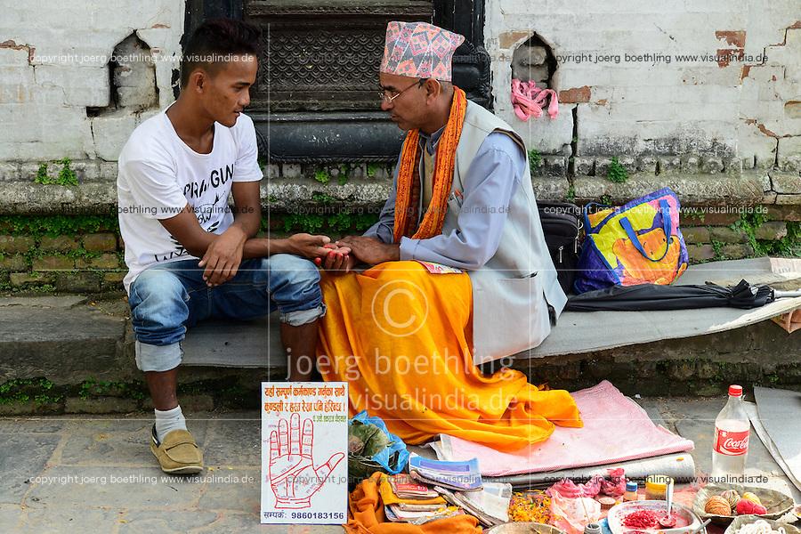 NEPAL Kathmandu, Pashupatinath Hindu Temple, Wahrsager, Astrologe, Handleser