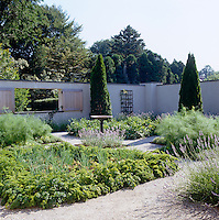 The garden designer Joseph Tyree was instrumental in the design of this charming parterre