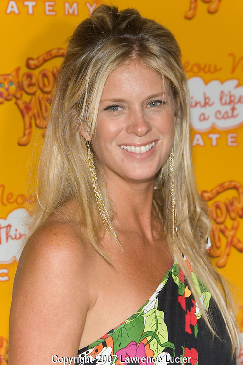 NEW YORK - AUGUST 20: Model Rachel Hunter arrives at the Meow Mix Acatemy Orange Carpet Party August 20, 2007, at the Daryl Roth Theater in New York City.  (Photo by Lawrence Lucier)