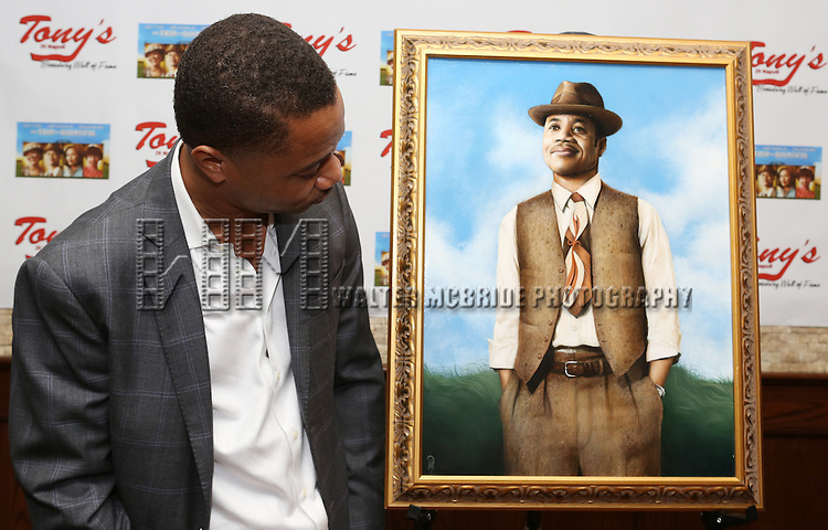 Cuba Gooding Jr. attends the unveiling of Tony Di Napoli's portrait for TRIP TO BOUNTIFUL star Cuba Gooding Jr. in New York City on 8/27/2013
