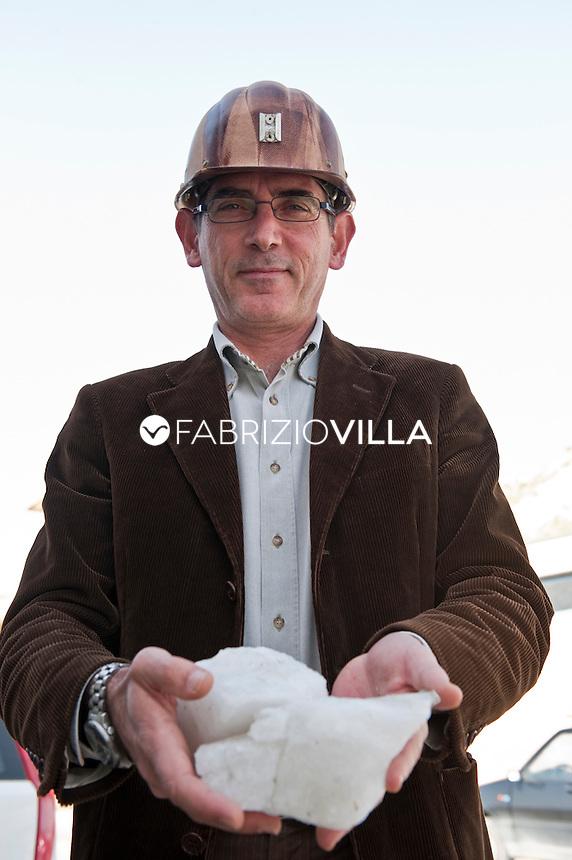 Realmonte (Agrigento) Italia. La miniera di sale. Il direttore della miniera Calogero Schembri. ph fabrizio villa