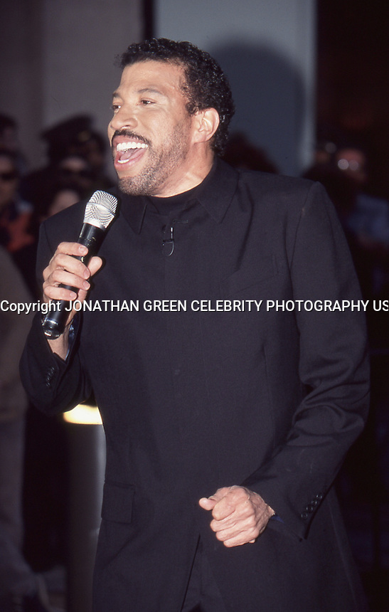 Lionel Richie 1996 NYC Today Show by Jonathan <br />