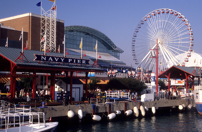 397-51 Navy Pier and Ferris Wheel, Chicago, Illinois, USA