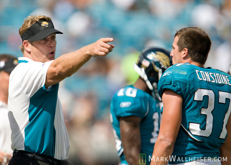 Jacksonville Jaguars head coach Jack Del Rio has a discussion with safety Sean Considine (37) in the second half of the NFL game between the Jacksonville Jaguars and Arizona Cardinals in Jacksonville, Florida September 20, 2009.(Mark Wallheiser/TallahasseeStock.com)