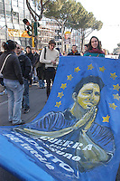 ROMA. 2 MARZO 2005.MANIFESTAZIONE STUDENTI E RICERCATORI PRECARI CONTRO LA RIFORMA MORATTI .NELLA FOTO :SAN PRECARIO.FOTO SIMONA GRANATI