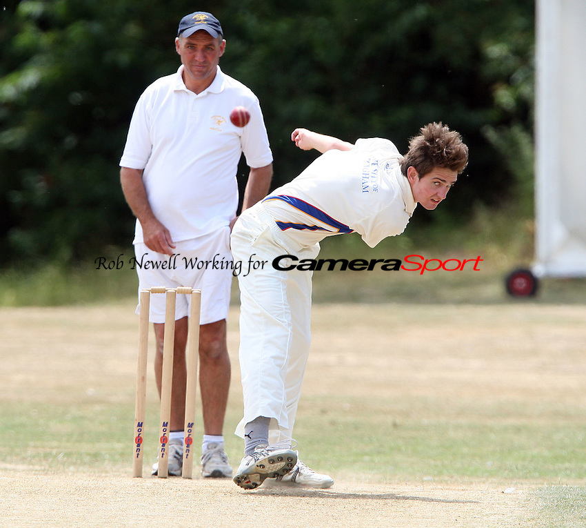 Danny Durham of Hornchurch in bowling action - Hornchurch CC 3rd XI vs Ardleigh Green CC 3rd XI, Essex Club Cricket at Fielders Sports Ground, Hornchurch - 03/07/10 - MANDATORY CREDIT: Rob Newell/TGSPHOTO - Self billing applies where appropriate - 0845 094 6026 - contact@tgsphoto.co.uk - NO UNPAID USE.