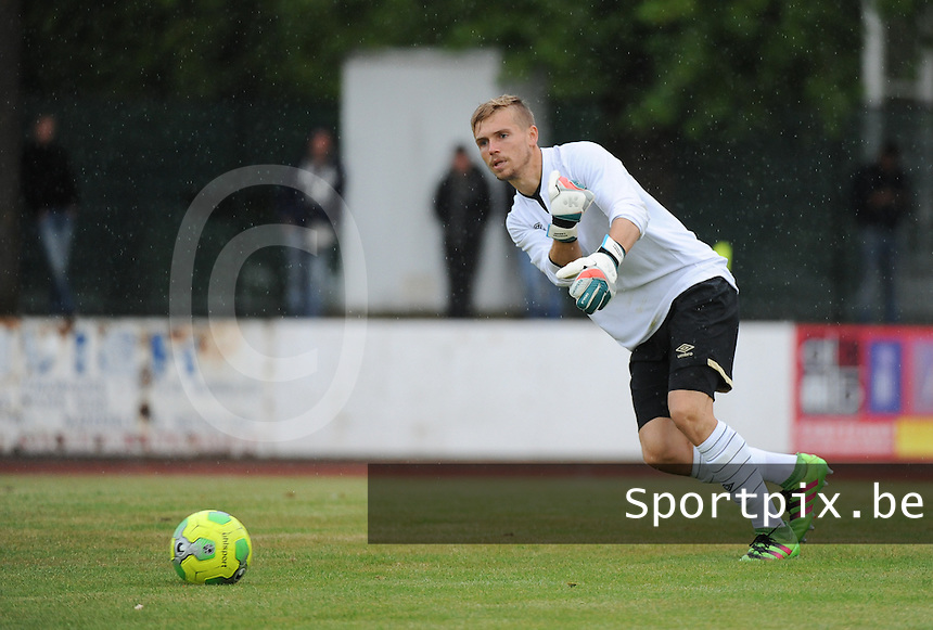 20160713 - DOUAI , FRANCE : RC Lens' Jeremy Vachoux pictured during a friendly game between Racing Club de LENS and Waasland Beveren during the preparations for the 2016-2017 season , Wednesday 13 July 2016 ,  PHOTO Dirk Vuylsteke | Sportpix.Be