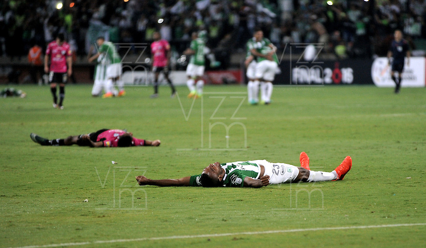 BOGOTA – COLOMBIA: 27-07-2016: Atletico Nacional de Colombia, e Independiente Del Valle de Ecuador durante partido de vuelta por la Final de la Copa Bridgestone Libertadores 2016 en el EstadioAtanasio Girardot, de la ciudad de Medellin.  / Atletico Nacional of Colombia and Independiente Del Valle of Ecuador during a match for the second leg of the final of the Bridgestone Libertadores Cup 2016, in the Atanasio Girardot, Stadium, in Medellin city. Photos: VizzorImage / Luis Ramirez / Staff.