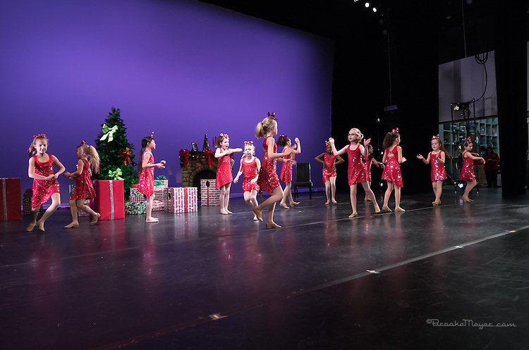 "3D Project Jazz Company, Space & Tech Rehearsal of ""All Wrapped Up"", Cary Arts Center, 16 Dec. 2013."