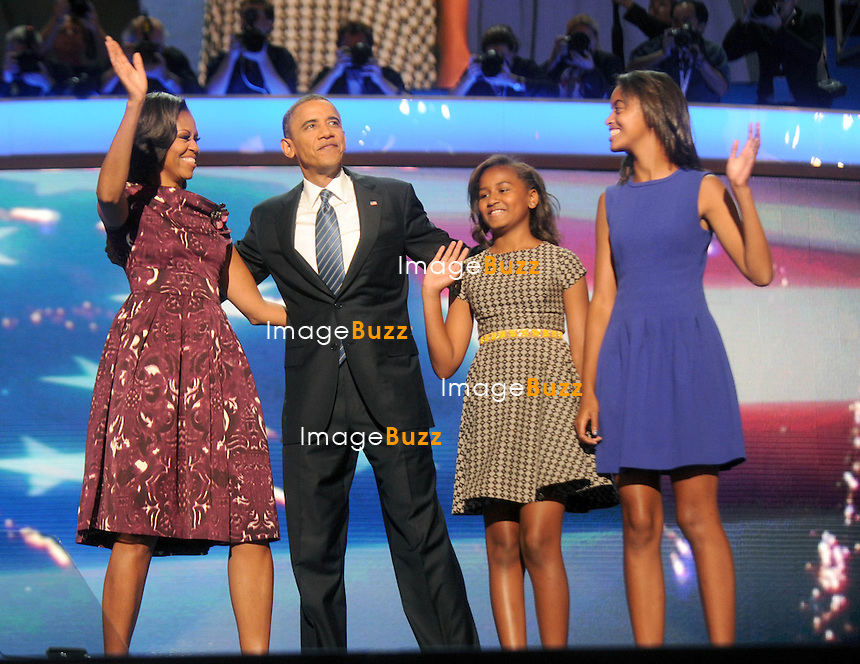 BARACK OBAMA & FAMILY - Barack Obama during the Democratic Convention with Michelle Obama, Bill Clinton, Joel Biden, James Taylor, Eva Longoria, Marc Anthony, Mary J. Blige, Caroline Kennedy, Scarlett Johansson and David Grohl, in Charlotte, North Carolina..September 6, 2012.