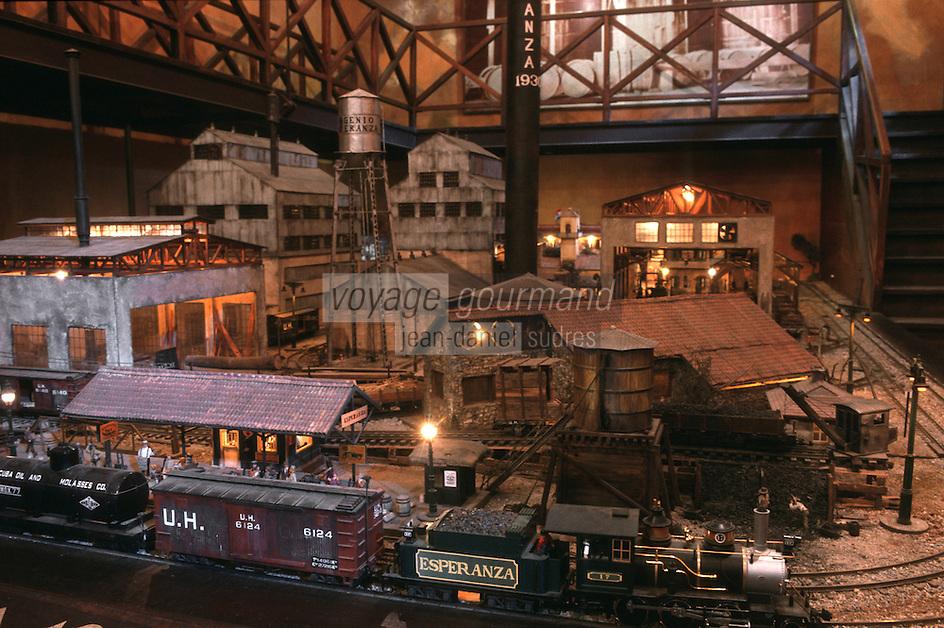 """Cuba/La Havane: """"Muséo de Ron"""" Musée du rhum Calle San Pedro Maquette d'une distillerie dans les années 30 - Diorama ferroviaire"""