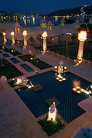 Indien, Udaipur (Rajasthan), Hotel Udaivilas [(c) Dirk Renckhoff, Schulten-Immenbarg 3, 22587 Hamburg, Tel+Fax +49-(0)40-865110, E-Mail dirk_renckhoff@web.de, Bank: Postbank Hamburg, Konto: 355694207, BLZ: 20010020, IBAN  DE79 20010020 0355694207, BIC PBNKDEFF. Bei Nutzung gelten meine AGB (www.dirk-renckhoff.de/AGB.htm) als vereinbart.  Es werden keine Rechte Dritter wie Modelfreigabe-, Eigentums- , Kunst- oder Markenrechte eingeraeumt, soweit nicht ausdruecklich vermerkt. Bei werblicher Nutzung sind die Rechte Dritter soweit erforderlich vom Kunden einzuholen. Unless explicit declared no model release, property release or other third party rights are given. No distribution w/o permission.]