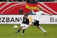 Crystal Dunn (USA) gegen Melanie Behringer (D)