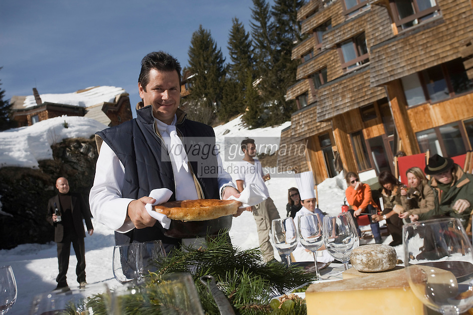 Europe/France/Rhône-Alpes/74/Haute Savoie/Avoriaz :  Christophe Leroy Chef du restaurant: La Table du Marché de l'Hotel : Les Dromonts installé dans un immeuble en forme de pomme de pin de la station [Non destiné à un usage publicitaire - Not intended for an advertising use]