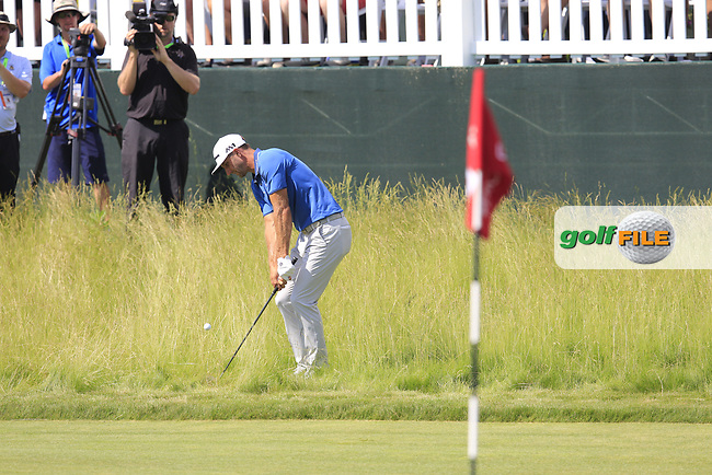 Dustin Johnson (USA) chips from the fescue at the 6th green during Friday's Round 2 of the 117th U.S. Open Championship 2017 held at Erin Hills, Erin, Wisconsin, USA. 16th June 2017.<br /> Picture: Eoin Clarke | Golffile<br /> <br /> <br /> All photos usage must carry mandatory copyright credit (&copy; Golffile | Eoin Clarke)