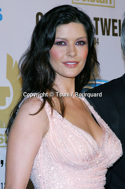 """Catherine Zeta-Jones arriving at the """"Ocean's 12"""" Premiere held at Grauman's Chinese Theatre in Los Angeles on Wednesday, December 8, 2004."""