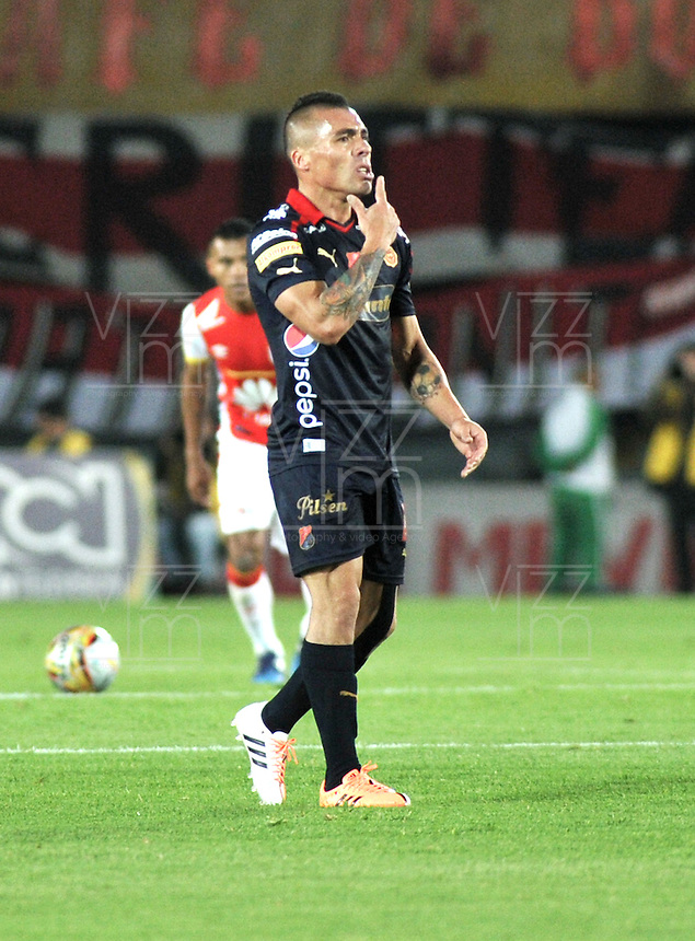 BOGOTA - COLOMBIA - 24-03-2015: Vladimir Marin, jugador de Deportivo Independiente Medellin, celebra el gol anotado a Independiente Santa Fe, durante partido aplazado por la fecha 6 entre Independiente Santa Fe y Deportivo Independiente Medellin de la Liga Aguila I-2015, en el estadio Nemesio Camacho El Campin de la ciudad de Bogota. / Vladimir Marin, player of Deportivo Independiente Medellin, celebrate the scored goal to Independiente Santa Fe, during a postponed match of the 6 date between Independiente Santa Fe and Deportivo Independiente Medellin for the Liga Aguila I -2015 at the Nemesio Camacho El Campin Stadium in Bogota city, Photo: VizzorImage / Luis Ramirez / Staff.