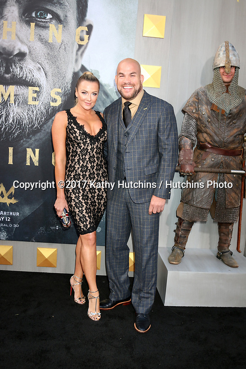 """LOS ANGELES - MAY 8:  Amber Nichole Miller, Tito Ortiz at the """"King Arthur Legend of the Sword"""" World Premiere on the TCL Chinese Theater IMAX on May 8, 2017 in Los Angeles, CA"""