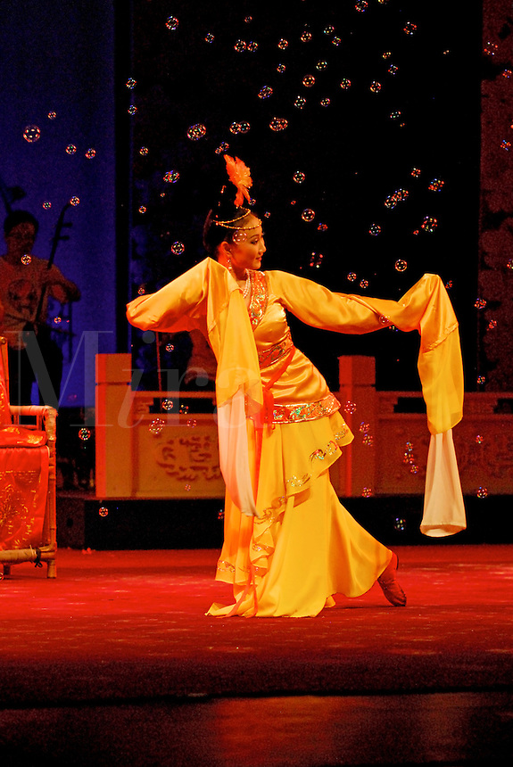 Traditional dancing in bubbles, Sichuan Opera, Chengdu, China.