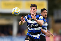 Freddie Burns of Bath Rugby receives the ball. Aviva Premiership match, between Bath Rugby and Worcester Warriors on October 7, 2017 at the Recreation Ground in Bath, England. Photo by: Patrick Khachfe / Onside Images