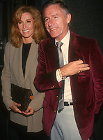 Stefanie Powers, Roddy McDowell, 1994, Photo By Michael Ferguson/PHOTOlink