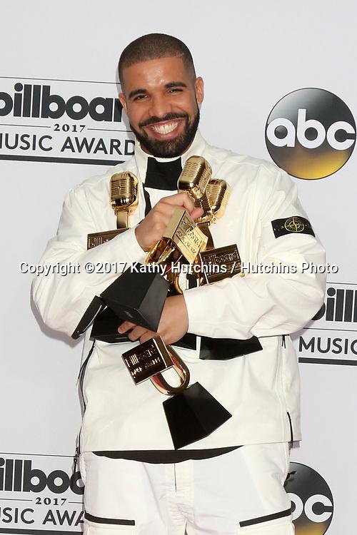 LAS VEGAS - MAY 21:  Drake at the 2017 Billboard Awards Press Room at the T-Mobile Arena on May 21, 2017 in Las Vegas, NV