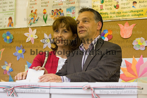 Opposition leader Viktor Orban votes during the national polling for the European Parliamentary elections in Budapest, Hungary. Sunday, 07. June 2009. ATTILA VOLGYI