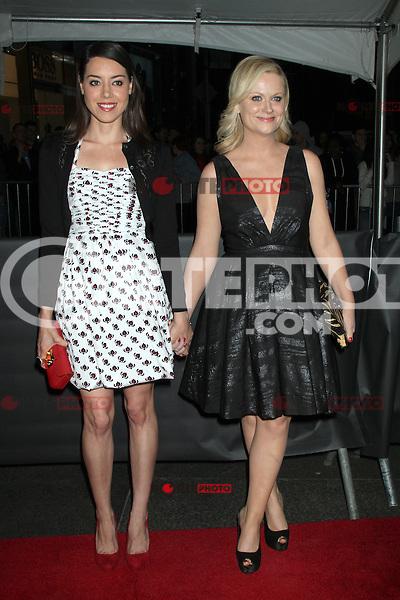 Aubrey Plaza y Amy Poehler en la noche de gala de TIME las 100 Personas M&aacute;s Influyentes del Mundo en el Jazz at Lincoln Center el 24 de abril de 2012 en Nueva York.<br /> (*Cr&eacute;dito:RW*/*MediaPunch/NottePhoto.com*)<br /> **SOLO*VENTA*EN*MEXICO**