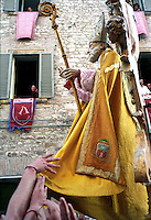 Gubbio 15 MAY 2005..Festival of the Ceri..A solemn procession with the statue of St Ubaldo....http://www.ceri.it/ceri_eng/index.htm..
