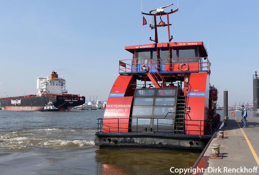 F&auml;hre am  F&auml;hranleger Altona,  St. Pauli, Hamburg, Deutschland<br /> ferry dock Altona, St. Pauli, Hamburg, Germany
