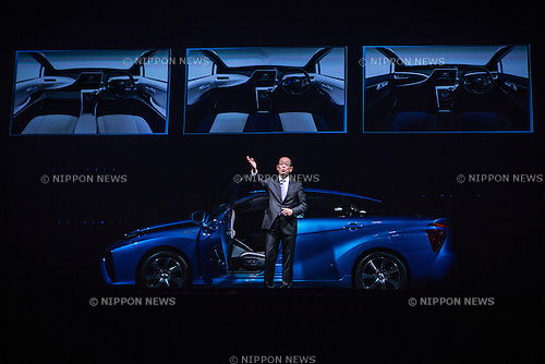 "November 18, 2014, Tokyo, Japan - Deputy Chief Engineer of Toyota Motor Corporation Yoshikazu Tanaka unveils the company's new fuel cell vehicle (FCV) named ""Mirai"" (future) during a ceremony in central Tokyo on Tuesday, November 18, 2014. (Photo by AFLO)"