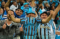 PORTO ALEGRE, RS, 02.11.2016 - GRÊMIO- CRUZEIRO - Torcedores, do Grêmio, durante partida contra o Cruzeiro, válida pela semifinais da Copa do Brasil 2016, na Arena do Grêmio, nesta quarta-feira(Foto: Rodrigo Ziebell/Brazil Photo Press)