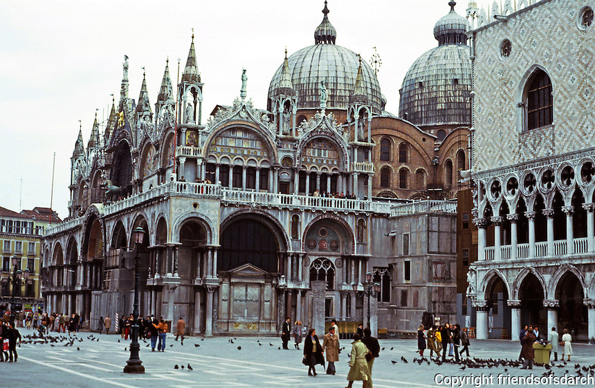 Venice:  San Marco and Doge's Palace.  Photo '83.