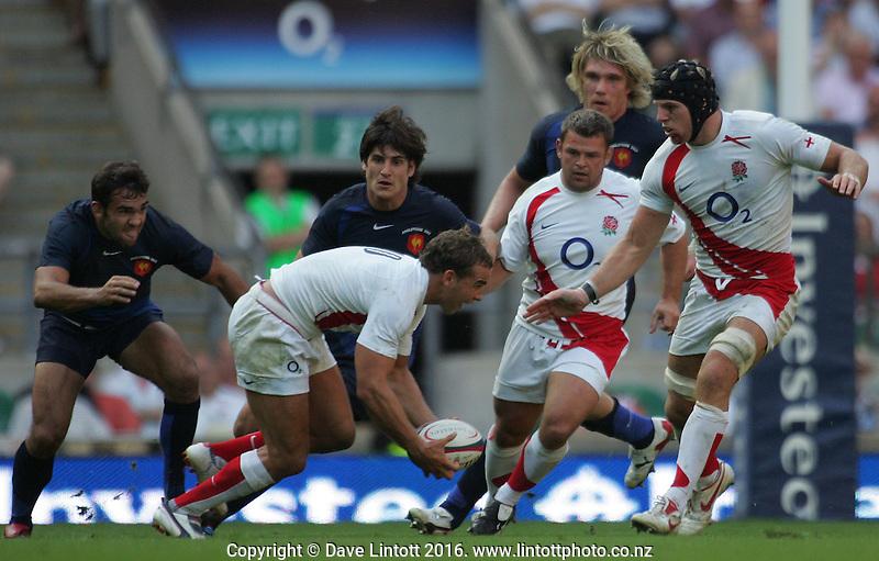 .England v France. International Rugby Union. Twickenham, London, England. Saturday 11 August 2007. Photo: Dave Lintott / lintottphoto.co.nz