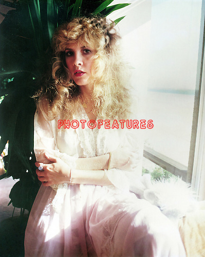Stevie Nicks 1981 Venice Beach ..