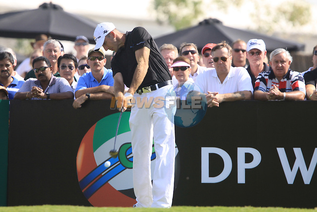 Geoff Ogilvy tees off on the 1st hole to start his round during  Day 2 at the Dubai World Championship Golf in Jumeirah, Earth Course, Golf Estates, Dubai  UAE, 20th November 2009 (Photo by Eoin Clarke/GOLFFILE)