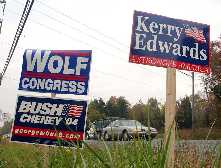 10/19/04.CAMPAIGN SIGNS--Signs compete for votes at the intersection of U.S. 15 and Virginia Rte. 234 in Prince William County. .CONGRESSIONAL QUARTERLY PHOTO BY SCOTT J. FERRELL