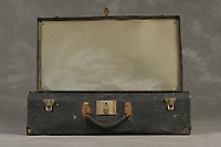 Willard Suitcases / Edith Cal / ©2014 Jon Crispin