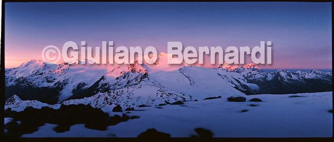 PJ447 Val di Pejo in inverno, immagini dei villaggi,delle montagne, delle baite, delle piste di sci e attivit&agrave; sportive,<br /> Pejo in winter, images of the villages, mountains, mountain huts, the ski slopes and sporting activities,<br /> Pejo im Winter, Bilder der D&ouml;rfer, Berge, Bergh&uuml;tten, den Skipisten und sportlichen Aktivit&auml;ten,<br /> Pejo en hiver, les images des villages, des montagnes, des cabanes de montagne, les pistes de ski et des activit&eacute;s sportives,<br /> Pejo en invierno, las im&aacute;genes de los pueblos, monta&ntilde;as, refugios de monta&ntilde;a, las pistas de esqu&iacute; y actividades deportivas,<br /> Pejo fi fasl alshshata'a, sur min alquraa waljibal wal'akwakh aljabaliat, wamunhadarat alttazalluj wal'anshitat alrriadia,<br /> Pejo的冬天,鄉村,山區,山木屋,滑雪場和體育活動的圖像,<br /> 冬のペヨ、村、山、山の小屋、スキー場やスポーツ活動のイメージ,<br /> Pejo in de winter, beelden van de dorpen, bergen, berghutten, de skipistes en sportieve activiteiten,<br /> Pejo w zimie, obrazy wsi, g&oacute;r, schronisk g&oacute;rskich, stok&oacute;w narciarskich i uprawiania sportu,<br /> Pejo no inverno, as imagens das aldeias, montanhas, abrigos de montanha, pistas de esqui e actividades desportivas,<br /> Pejo t&eacute;len, a k&eacute;pek a falvak, hegyek, hegyi, a s&iacute;p&aacute;ly&aacute;k &eacute;s sporttev&eacute;kenys&eacute;gek
