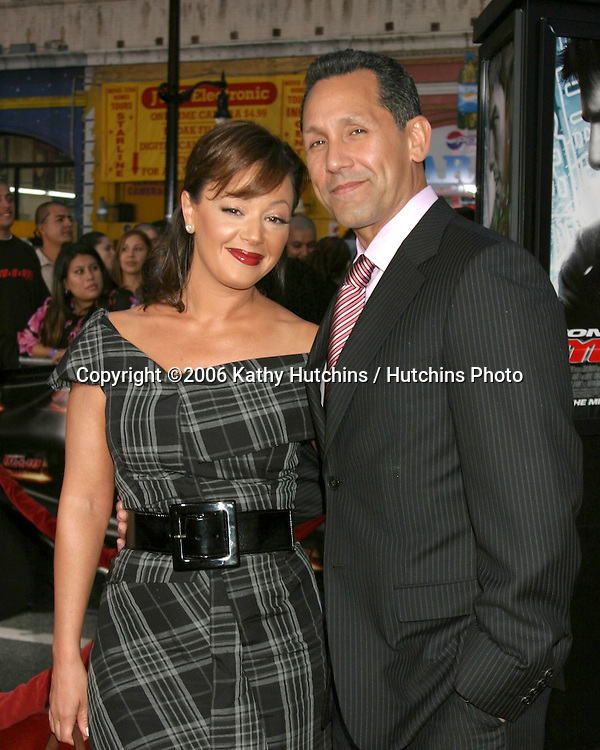 Leah Remini & husband Arriving at the.MIssion Impossible 3 Fan Screening.Grauman's Chinese Theater.Hollywood & Highland.Los Angeles, CA.May 4, 2006.©2006 Kathy Hutchins / Hutchins Photo....