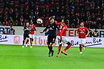 der Mainzer Moussa Niakhate mit dem Bremens Yuya Osako am Ball<br /> <br /> <br /> <br />  beim Spiel in der Fussball Bundesliga, 1. FSV Mainz 05 - Werder Bremen.<br /> <br /> Foto &copy; PIX-Sportfotos *** Foto ist honorarpflichtig! *** Auf Anfrage in hoeherer Qualitaet/Aufloesung. Belegexemplar erbeten. Veroeffentlichung ausschliesslich fuer journalistisch-publizistische Zwecke. For editorial use only.