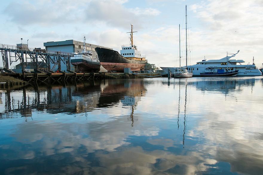 Nederland, Urk, 25 nov 2013<br /> Haven van Urk met een scheepsreparatiewerf.<br /> <br /> Foto: Michiel Wijnbergh