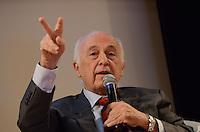 SAO PAULO, 04 DE ABRIL DE 2013 - RUMOS DA COMPETITIVIDADE - O economista Luis Carlos Bresser Pereira durante Seminário Rumos da Competitividade - A Indústria de Máquinas e Equipamentos no Auditório da Abimaq (Associação Brasileira de Máquinas e Equipamentos), região sul da capital, na tarde desta quinta feira, 04. (FOTO: ALEXANDRE MOREIRA / BRAZIL PHOTO PRESS)