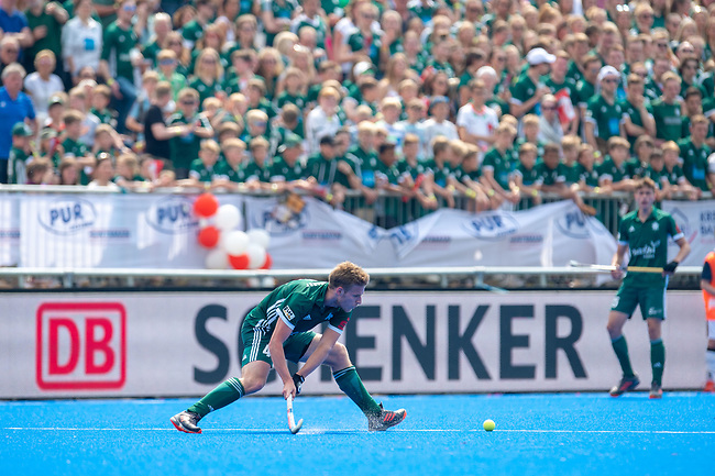 Krefeld, Germany, May 19: During the Final4 Gold Medal fieldhockey match between Uhlenhorst Muelheim and Mannheimer HC on May 19, 2019 at Gerd-Wellen Hockeyanlage in Krefeld, Germany. (worldsportpics Copyright Dirk Markgraf) *** Ferdinand Weinke #4 of Uhlenhorst Muelheim