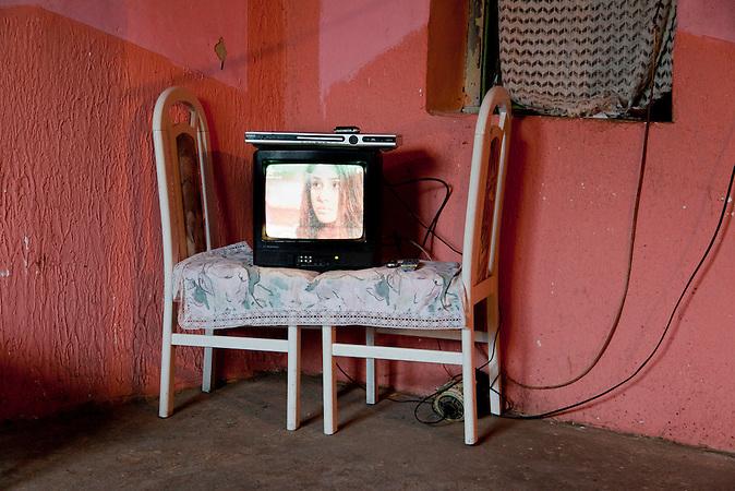 Cantavir, Vojvodina, Serbien, 07.10.2010: Der Fernseher der Familie.<br /> <br /> <br />Cantavir, Serbia, 07.10.2010: The family&acute;s tv.