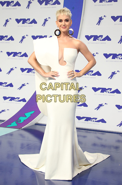 INGLEWOOD, CA - August 27: Katy Perry, At 2017 MTV Video Music Awards At The Forum in Inglewood In California on August 27, 2017. <br /> CAP/MPI/FS<br /> &copy;FS/MPI/Capital Pictures